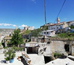 Cemil Köyünde Muhteşem Eski Ev Otel Yapımına Uygun